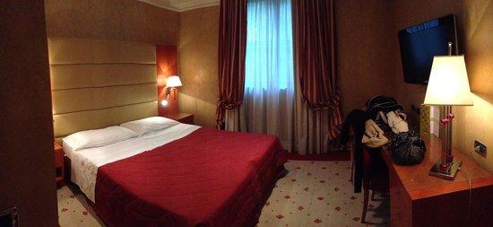 Hotel Perusia : Camera doppia 4 piano