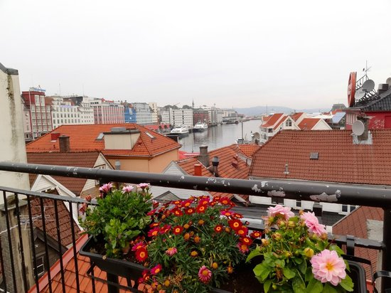 Bergen YMCA Hostel: view from the rooftop lounge area