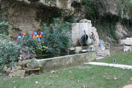 Le Moulin De Bonfilhon : la fontaine