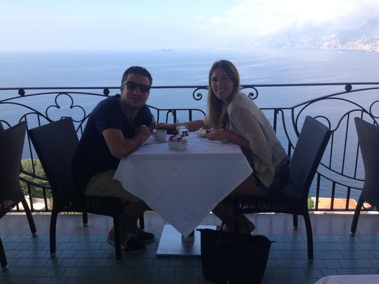 Hotel Tramonto d'Oro: breakfast and dinner with a view