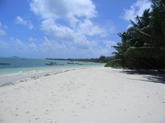 Britannia Hotel-Guest House: premiere plage depuis l'hotel à 10min de marche