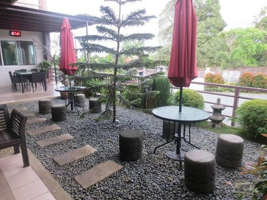 Tagaytay Wingate Manor: Veranda