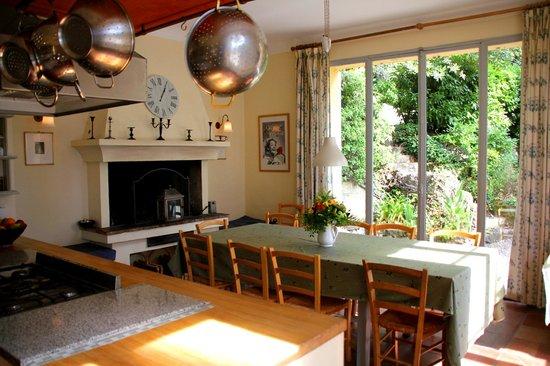 La Rivolte: Kitchen breakfast room