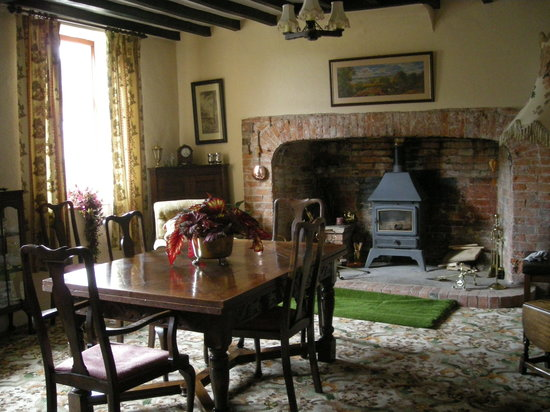 Marlbrook Hall B&B: Enjoy breakfast in our beamed dining room