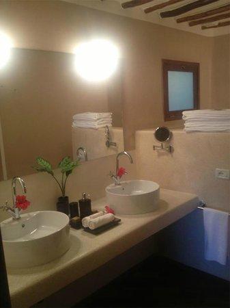 Essque Zalu Zanzibar: Bathroom Sinks