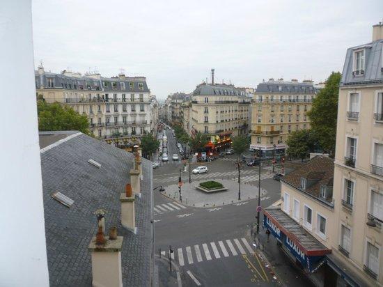 Montmartre Clignancourt: La vista dal 5 piano dell'hotel