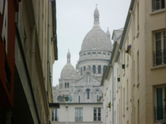 Montmartre Clignancourt: Panorama alle spalle dell'hotel