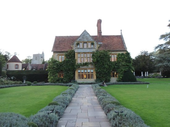 Belmond Le Manoir aux Quat'Saisons: exterior of manoir from gardens