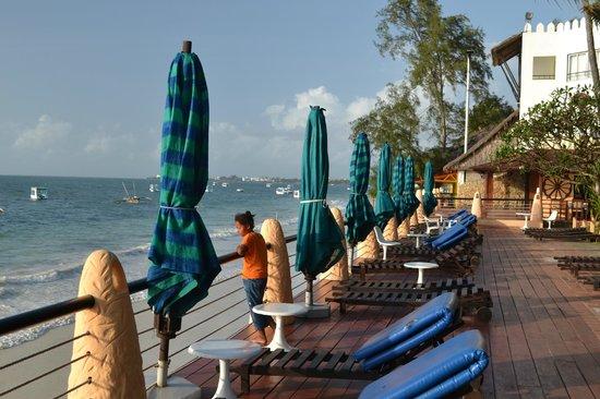 Bamburi Beach Hotel: Early morning