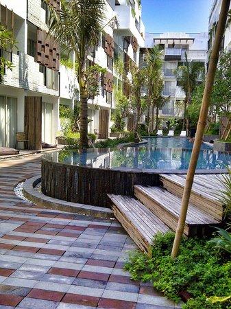 The Akmani Legian: nice pool