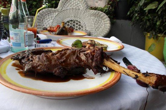 La Terraza: Leg of lamb