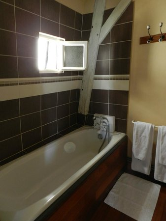 Le Patio Saumur : La salle de bain