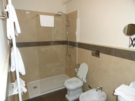 Hotel Palazzo dei Mercanti: doccia e servizi