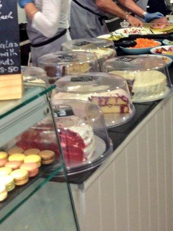Blue Quails Deli: yummy cakes