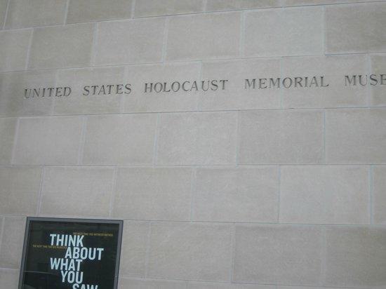 Museo Memorial del Holocausto de Estados Unidos: Entrance