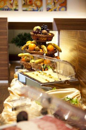 The Gerald's Hotel: Restaurant buffet