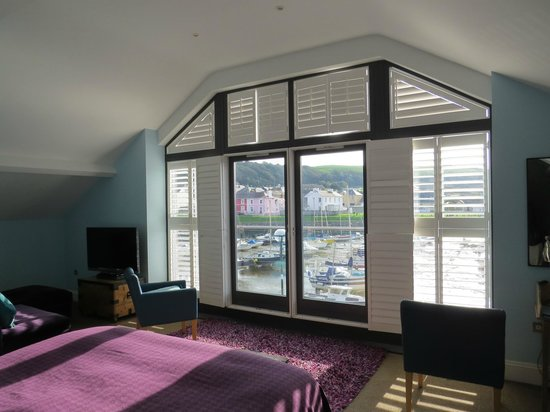 Harbourmaster Hotel: Aeron Queen room