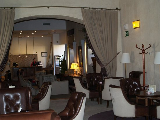 Hotel San Antonio el Real: Bar/ lounge