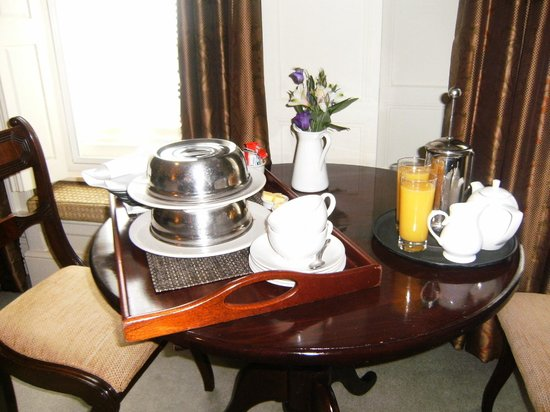 The Old Vine: Room Service, Breakfast