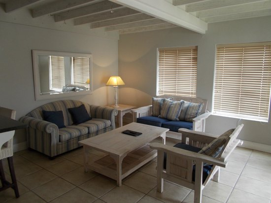 The Dunes Hotel & Resort: Lounge Area