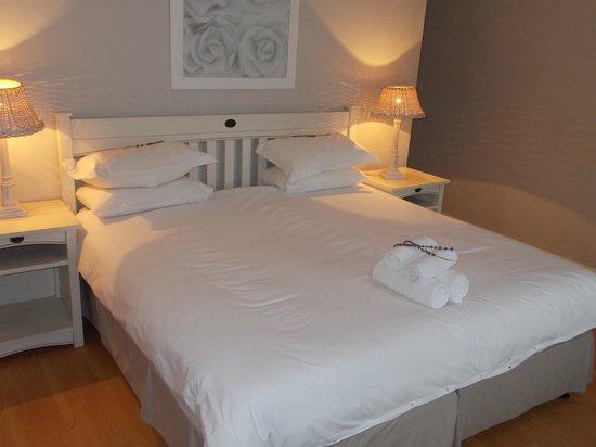 The Dunes Hotel & Resort : Main Bedroom