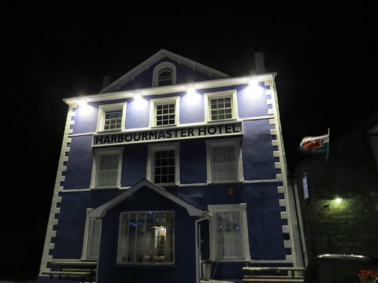 Harbourmaster Hotel: The Harbourmaster at night