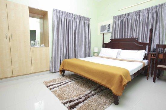 Le Park Inn: Double Room With Single Cot