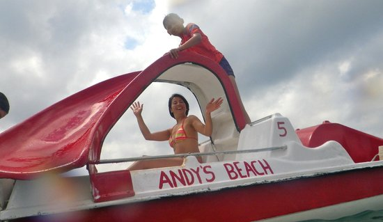 Sitio de Calahonda, Espanha: Rent a pedalo from Andy's !