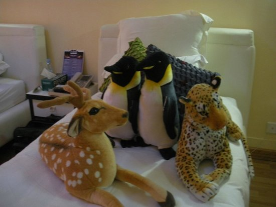 Aria Boutique Hotel & Spa: Bedroom animal display