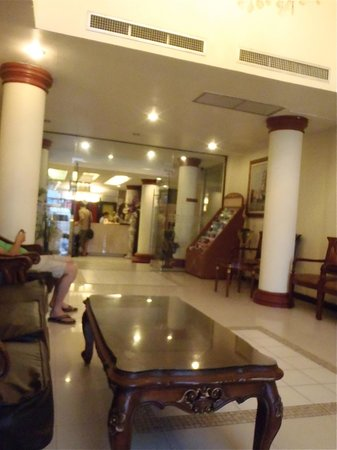 White Sand Resortel: the lobby
