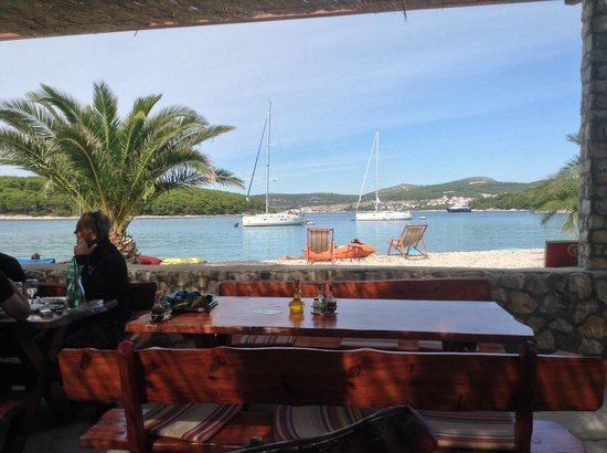Villa Fio: Sitting in a restaurant on another island (by water taxi)