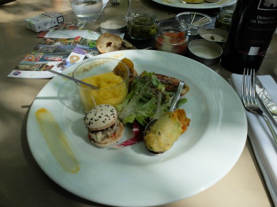 Sous les Micocouliers : Exemple de raffinement de la cuisine & de la présentation.