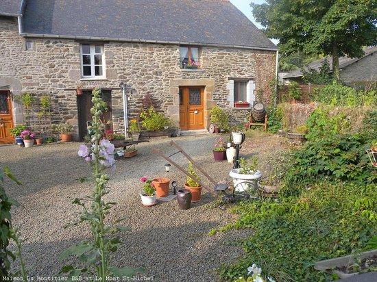 Maison du Montitier : outside view of B&B