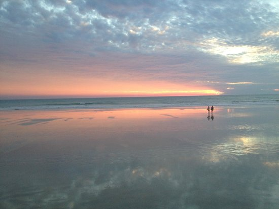 One spectacular sunset over cable beach