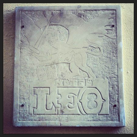 Hotel Leo: The Hotel Sign