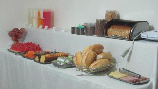 Che Lagarto Suites Copacabana Anita: breakfast