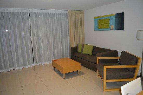 Ramada Hervey Bay: Living