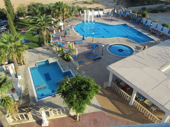 Chrystalla Hotel : Chrystalla Pools