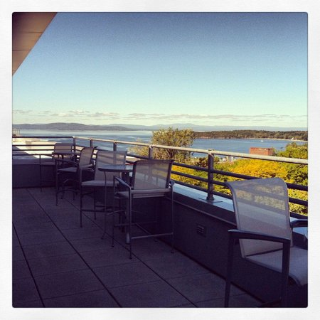 Courtyard Burlington Harbor: No better time to see the fall colors. On the Hospitality Suite 928's private balcony