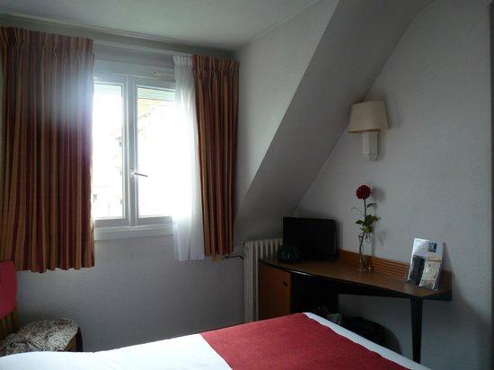 Hotel le Progres: La chambre