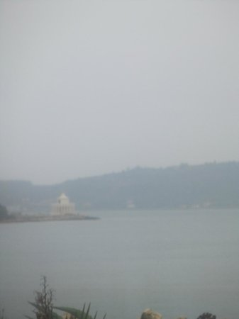 Katavothres : Argostoli Lighthouse