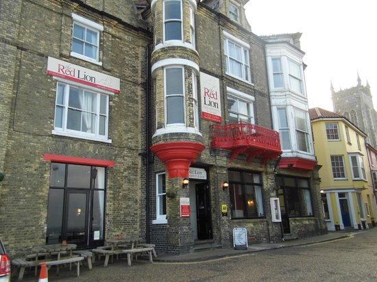 The Red Lion: The Hotel