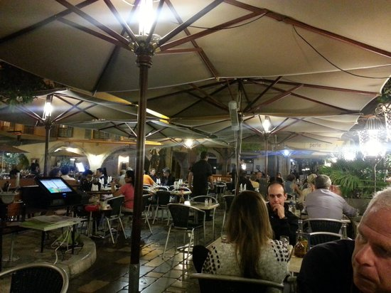 Cafe des Arcades