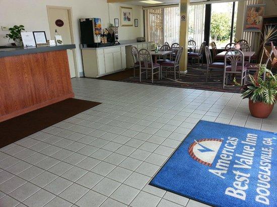Americas Best Value Inn Douglasville: BREAKFAST AREA