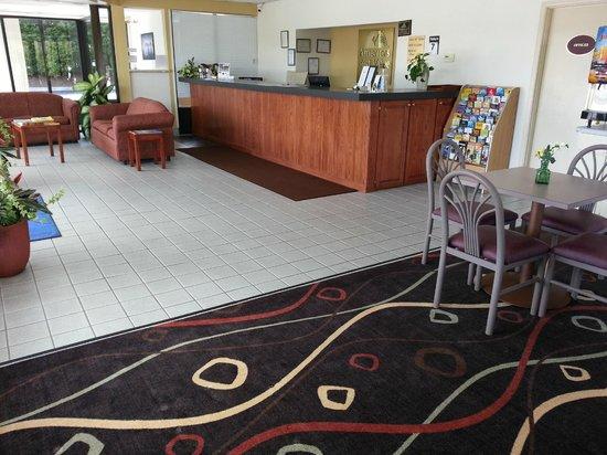 Americas Best Value Inn Douglasville: FRONT DESK