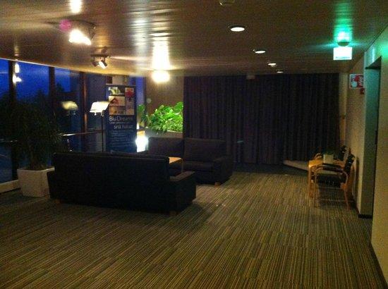 Radisson Blu Hotel, Espoo: холл