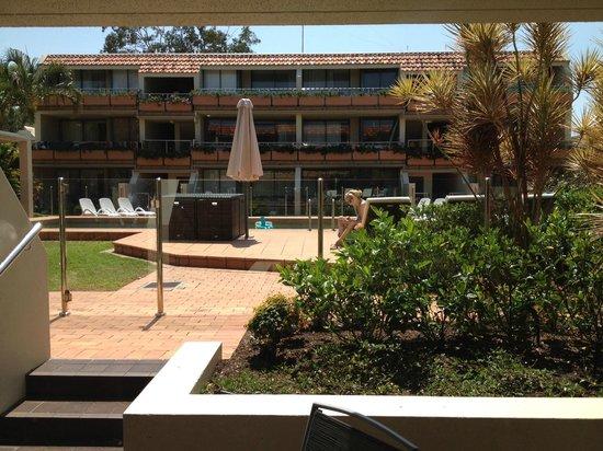 Hotel Laguna: 1 bedroom apartment courtyard facing the pool
