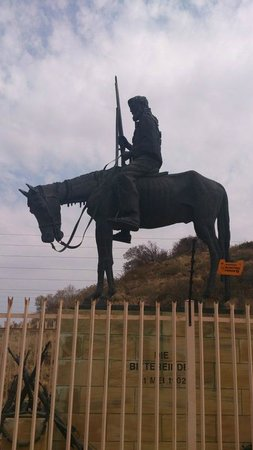 Anglo Boer War Museum : 'Defeated boer ' statue