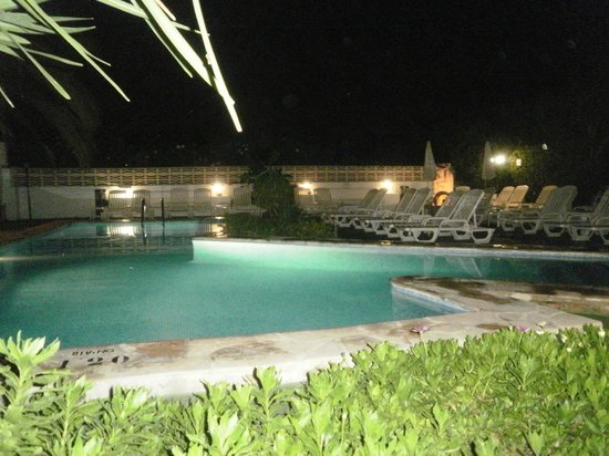 azuLine Hotel Galfi: The pool at night