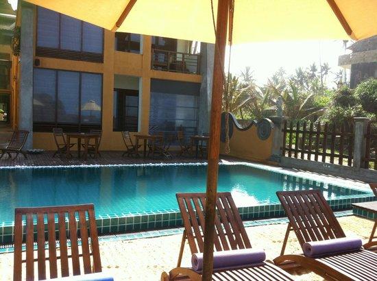 Thaproban Pavilion Resort and Spa: Pool
